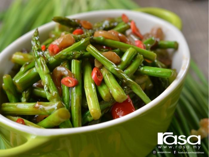 Resipi Asparagus Bersos Tiram Yang Cepat Mudah Disediakan